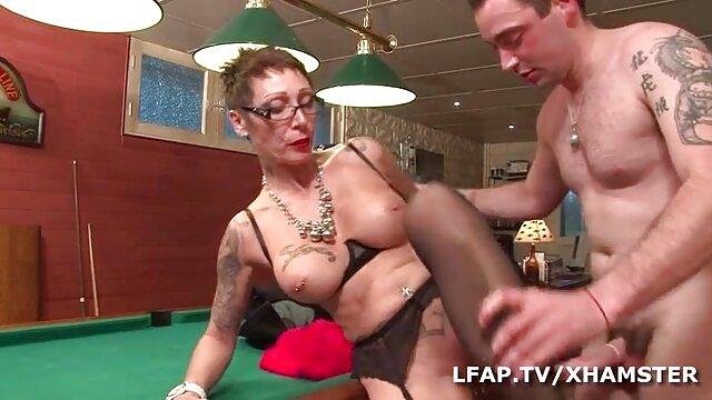 CMNF Nus-A-Poppin extrait film x amateur gratuit 2012 P2