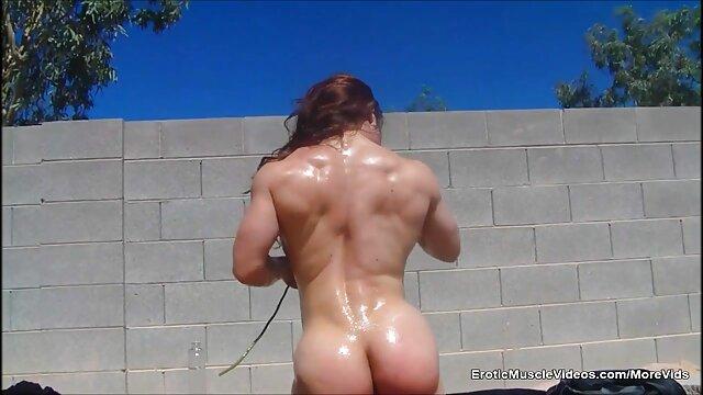 Musclé femmes porno