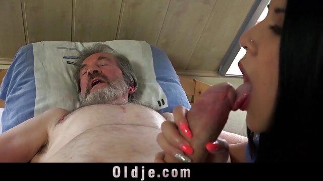 moreninha linda dando o cuzinho KC video porno amateur streaming