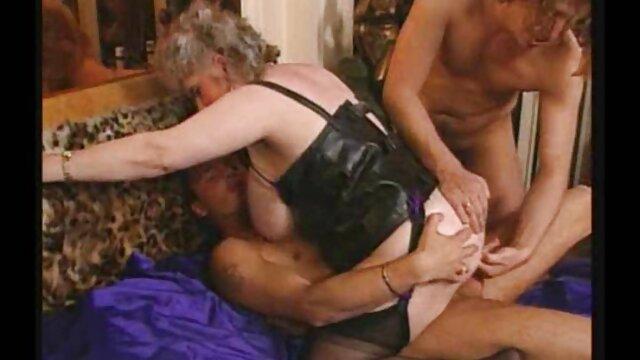 Allyssa Hall film x mature amateur baisée et gorge
