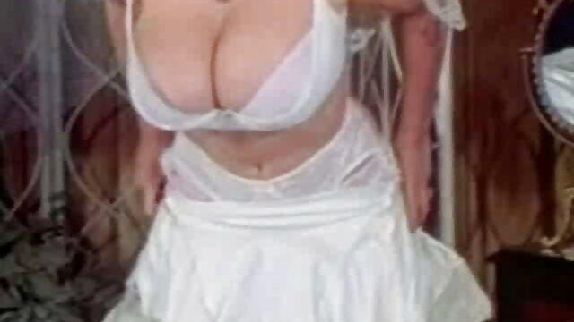 Amusement anal de Horny Haley video x amateur voyeur 2!